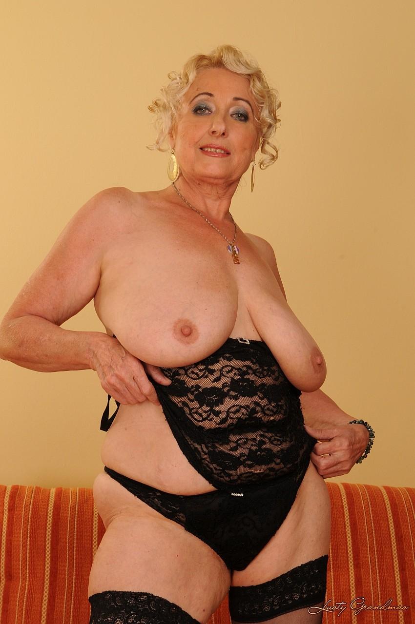 голые дамы бальзаковского возраста
