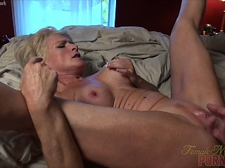 Mandy Foxx – Fucking. Sucking. Squirting. It's A Good Day.