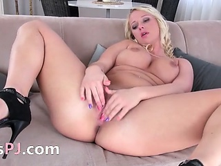 busty blondie with luxury pussy
