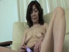 Eriko Nishimura - JAV Granny Addicted To A Young Boner