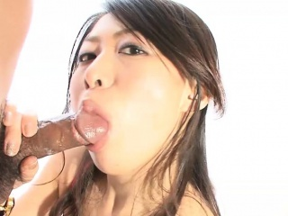 Sexy Asian babe loves pleasing her boyfriend in any way she