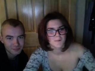 deze brunette leerde kennen bril shows haar groot tieten nl zuigt een