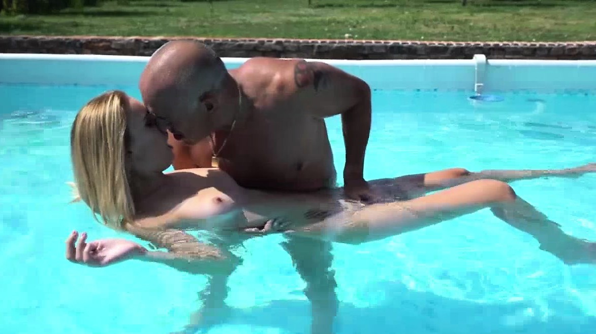 Lulu Love Licked And Sucks An Old Cock In The Pool Before Fucking