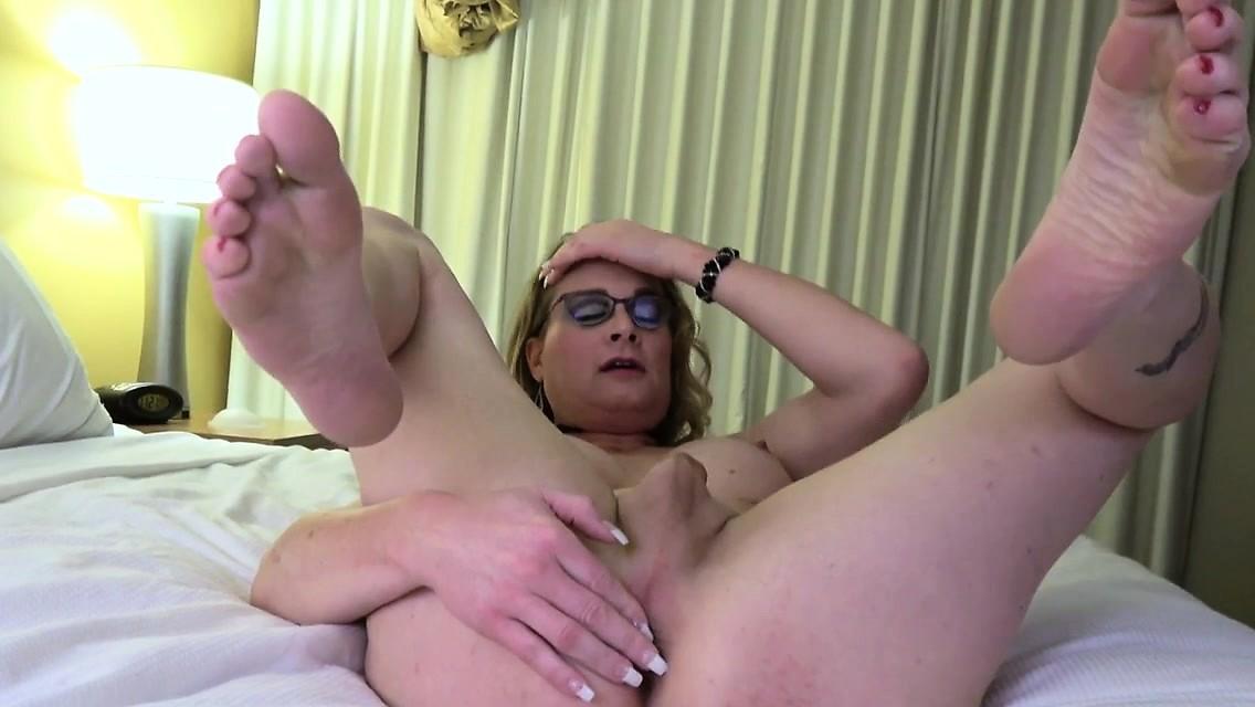 Amateur Spex Trans Jerking His Cock Solo