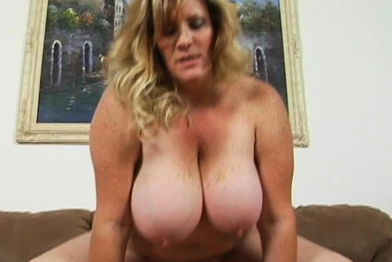 Fat Slut Gets Her Bald Pussy Clean Nailed In The Camera