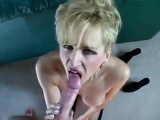 Mature cougar Raquel swallows Hubbys load like a good girl