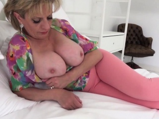mature lady sonia plays with her nipples