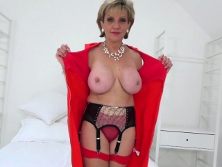 mature lady sonia sexy striptease