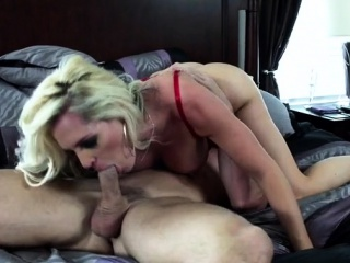 hardcore striekať orgazmus