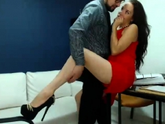 Brunette amateur sucking off boyfriend in reality home video