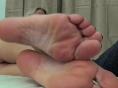 Horny amateur girls with a foot fetish play along