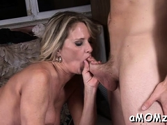 Mature Playgirl Gets Her Pussy Gap Split By Throbbing Cock