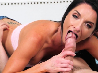 Sexy Horny MILF Sucks on Fat Dick