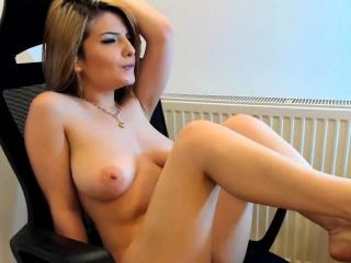 Big Tits Hoochie In Homemade Scene