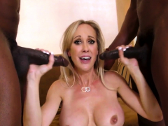 Cuckolding Cougar Nutted On