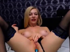Blonde Cougar On Web Cam Vr88