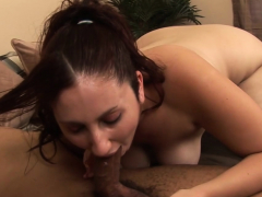 Sonia gets her hairy cunt banged