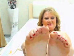 Pretty Bbw Gilf Feet Keel Face - No Sound