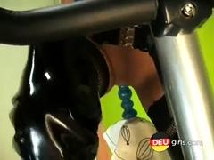 Lackschlampe Und Ihr Fickness Bike - Bostero