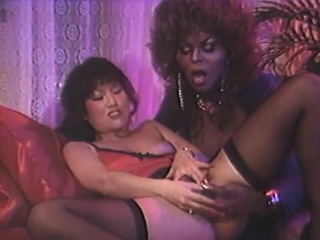 Black babe makes her girlfriend reach amazing orgasms