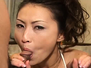 Breathtaking cock gobbler gives a steamy deepthroat oral job