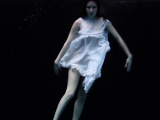 Andrejka does astonishing underwater moves