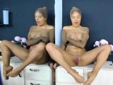 angellovee_ encases her entire body in pantyhose