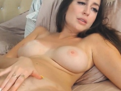 Hot Babe Fingers Her Cunt