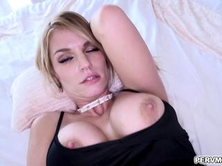 Rachel Cavalli greedily takes Ikes meaty cock