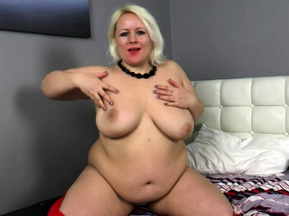 Big Titty BBW Bath Solo