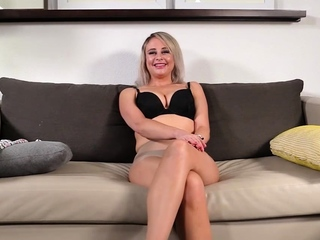 Slutty Housewife Takes Surprise BBC Like A Champ!