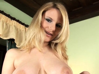 Horny Tammy Plays With Love Beads