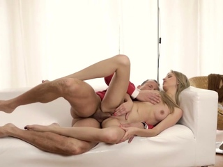 OLD4K. Extremely hot chick needs nothing more but