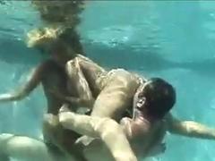 คลิปโป๊ฝรั่ง จับสองสาวซั่มใต้น้ำ