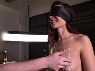 Substitution. Blindfolded experiment with Jeny Smith