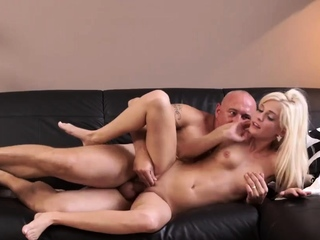 Old eat sperm and wake me up fuck xxx Horny ash-blonde