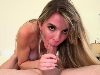 Blonde bitch gives a fantastic blowie
