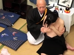 Young amateur pussyfucked by old guy